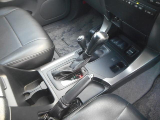 トヨタ ランドクルーザープラド TXリミテッドHDDナビ地デジ 黒革調シート