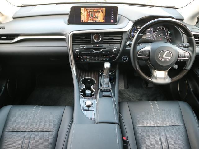 RX450hL 4WD リアエンターテインメント サンルーフ モデリスタフロントサイドエアロ ワンオーナー 三眼LEDヘッドライト パワーバックドア ステアリングヒーター(8枚目)