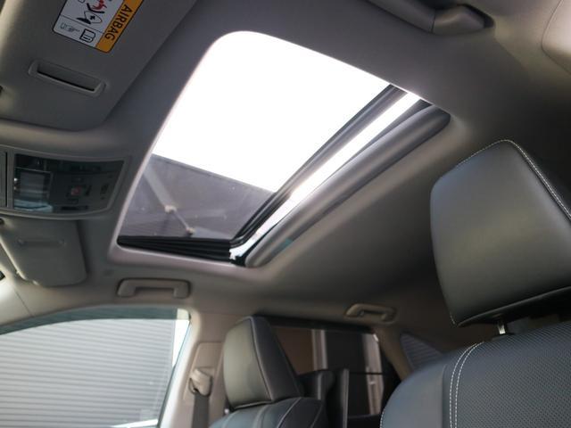 RX450hL 4WD リアエンターテインメント サンルーフ モデリスタフロントサイドエアロ ワンオーナー 三眼LEDヘッドライト パワーバックドア ステアリングヒーター(10枚目)