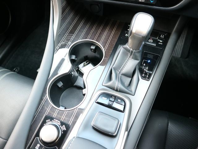 RX450hL 4WD リアエンターテインメント サンルーフ モデリスタフロントサイドエアロ ワンオーナー 三眼LEDヘッドライト パワーバックドア ステアリングヒーター(61枚目)