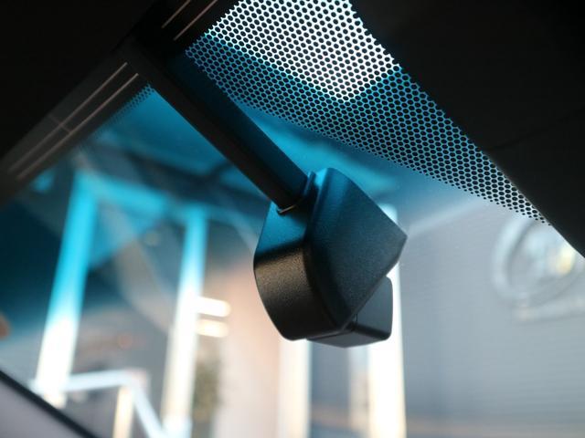 ES300h バージョンL 前後ドライブレコーダー パワートランク パノラミックビューモニター サンルーフ 三眼LEDヘッドライト AHS ヘッドアップディスプレイ 後席パワーシート 後席シートヒーター ステアリングヒーター(10枚目)