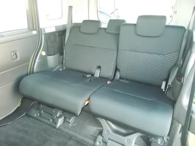 後席もキレイな状態です。シートアレンジ次第で、ラゲージスペースにもなります!