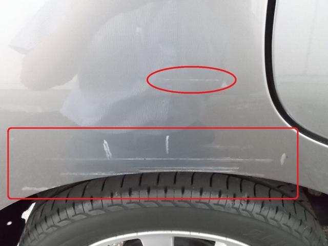傷/凹み等が複数ございます。ご来店の上、ご確認願います。(画像は運転席側リヤフェンダーの傷/タッチペン跡です)