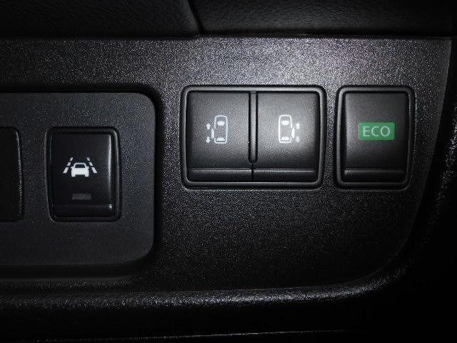 ハイウェイスター S-ハイブリッド /DVD再生ナビTV/天井モニタ-/両側自動ドア/1オーナー/新品タイヤ/ETC/Bluetooth/istop/AUTOライト/フォグ/エマブレ(30枚目)