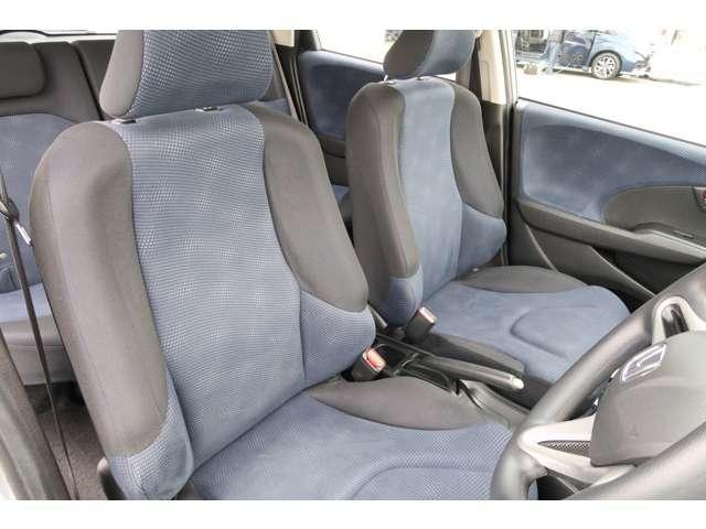 13G 認定中古車 メモリーナビ バックカメラ スマートキー ETC 盗難防止装置 横滑り防止装置 ワンオーナー車(13枚目)