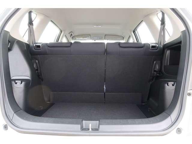 13G 認定中古車 メモリーナビ バックカメラ スマートキー ETC 盗難防止装置 横滑り防止装置 ワンオーナー車(16枚目)