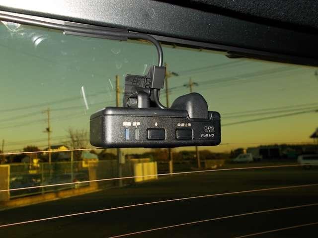 Lホンダセンシング 2年保証付 デモカー 衝突被害軽減ブレーキ サイド&カーテンエアバッグ ドライブレコーダー メモリーナビ フルセグTV Bカメラ シートヒーター LEDヘッドライト オートライト ワンオーナー車(13枚目)