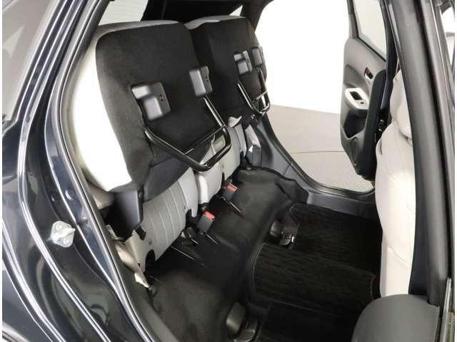 e:HEVホーム 2年保証付 デモカー 衝突被害軽減ブレーキ サイド&カーテンエアバッグ ワンオーナー車 メモリーナビ フルセグTV バックカメラ スマートキー ETC LEDヘッドライト オートライト(15枚目)