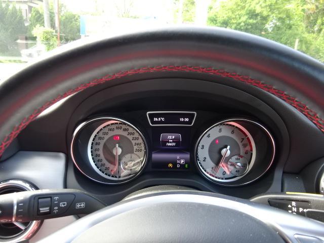 GLA180 スポーツ AMG18インチAW ハーフレザー ディーラー整備車 パワーバックドア(29枚目)
