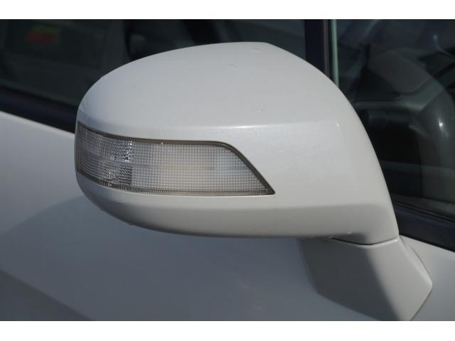 ウィンカー付きドアミラー装備!車線変更時に周囲の車両に確認出来やすく安全運転に繋がります!