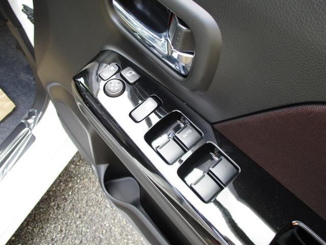 スズキ ワゴンRスティングレー ハイブリッドX レーダーブレーキ スマートキー 未使用車