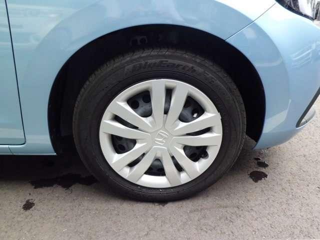 e:HEVホーム ナビ ドラレコ クルコン 禁煙車 スマートキー アイドリングストップ 衝突被害軽減ブレーキ ワンオーナー LEDヘッドライト Rカメラ オートエアコン キーレス 地デジ CD ETC(6枚目)