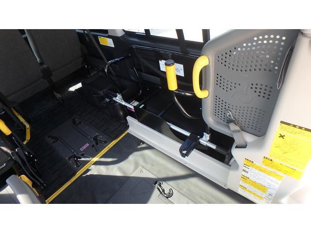 トヨタ ハイエースバン 福祉車輌 ウェルキャブ リアリフト Bタイプ