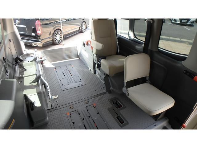 日産 NV350キャラバンバン 福祉車両 チェアキャブ リアリフト ストレッチャー付き