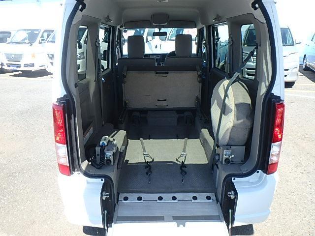 福祉車両 リアスロープ 電動ウインチ 4WD(6枚目)