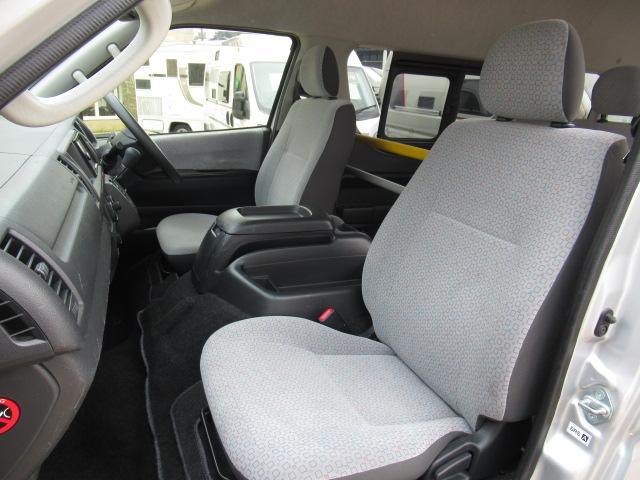 福祉車両 ウェルキャブ リアリフト 9人車いす4基固定 電動固定装置 電動ステップ SDナビ バックカメラ キーレス(3枚目)