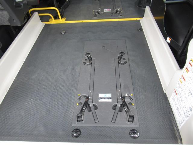 福祉車両 ウェルキャブ リアリフト 9人車いす4基固定 電動固定装置 電動ステップ SDナビ バックカメラ キーレス(43枚目)