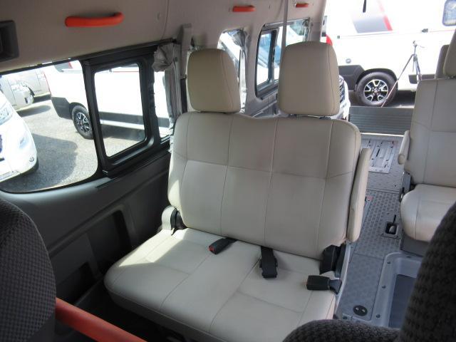福祉車両 チェアキャブ M仕様 車いす2基(10枚目)