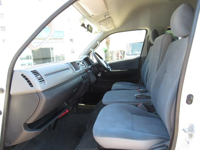 福祉車両 ウェルキャブ Dタイプ 車いす4基固定 10人乗り 車いす電動固定装置 電動ステップ スライドドアイージークローザー リアゲートイージークローザー(5枚目)
