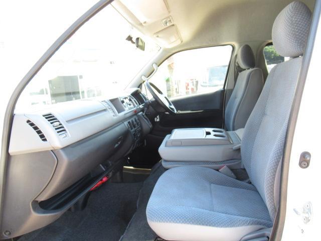 福祉車両 ウェルキャブ Dタイプ 車いす4基固定 10人乗り 車いす電動固定装置 電動ステップ スライドドアイージークローザー リアゲートイージークローザー(6枚目)