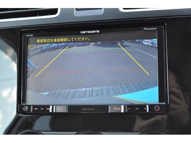 バックカメラ付き、車庫入れ時の後方確認のサポートをします