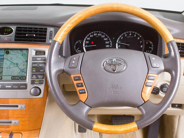 トヨタ クラウンマジェスタ Aタイプ 後期型 サンルーフ 本革シート 新品20AW