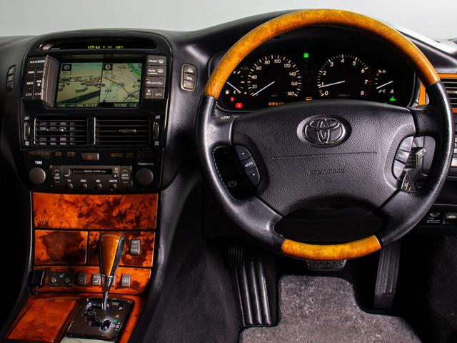 後期型 黒本革シート サンルーフ 禁煙車 タイミングベルト交換済み クルーズコントロール シートヒーター エアシート パワーシート バックカメラ イモビ ABS(14枚目)
