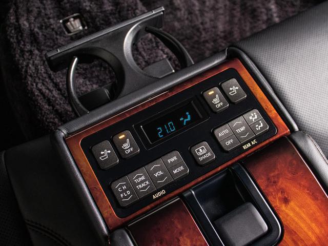 Fバージョン 修復歴なし 後期型 トヨタプレミアムサウンド 黒本革シート プリクラッシュ クリアランスソナー BSM LDA トヨタセーフティセンス ウッドコンビハンドル 記録簿有(17枚目)