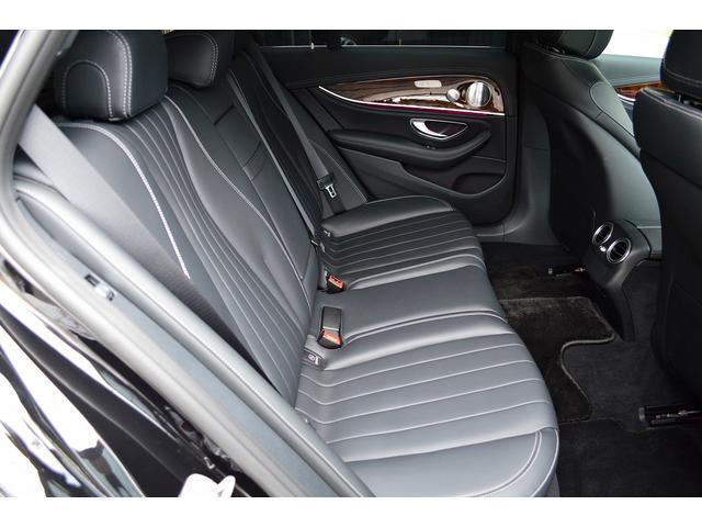 E400 4マチックステーションワゴンエクスクルシブ 新車保証継承 エアバランスPKG ヘッドアップディスプレイ 黒本革 フットトランクオープナー エアサス 4マチック 純HDDナビTV レーダーセーフティ(19枚目)