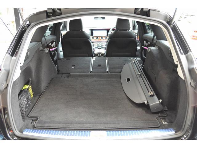 E400 4マチックステーションワゴンエクスクルシブ 新車保証継承 エアバランスPKG ヘッドアップディスプレイ 黒本革 フットトランクオープナー エアサス 4マチック 純HDDナビTV レーダーセーフティ(22枚目)