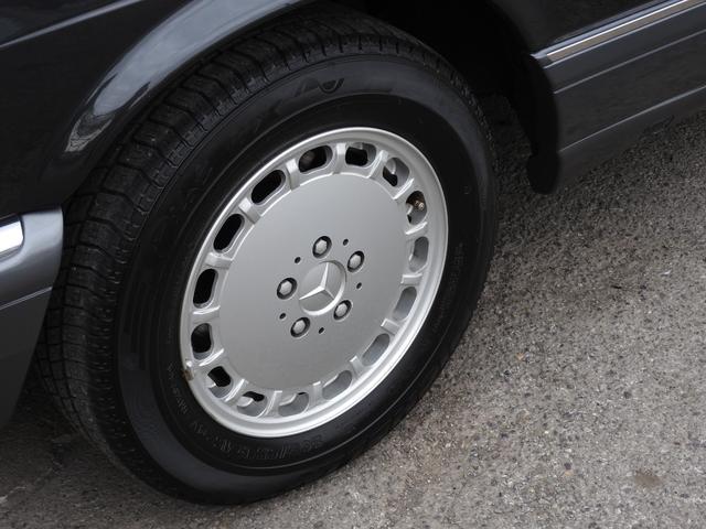560SEC 左ハンドル 黒革 1オーナー ガレージ保管(12枚目)