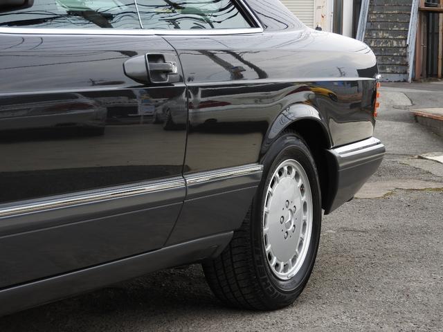 560SEC 左ハンドル 黒革 1オーナー ガレージ保管(16枚目)