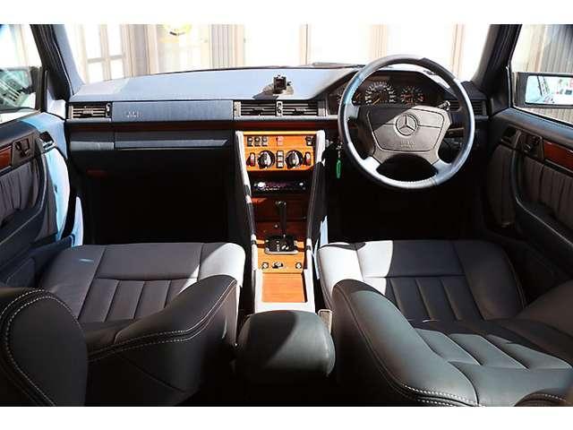 メルセデス・ベンツ M・ベンツ E280ステーションワゴン MEYLEデモカー 内装張替