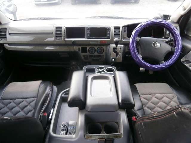 トヨタ ハイエースワゴン グランドキャビン スロープ付 8ナンバー車いす移動 4WD