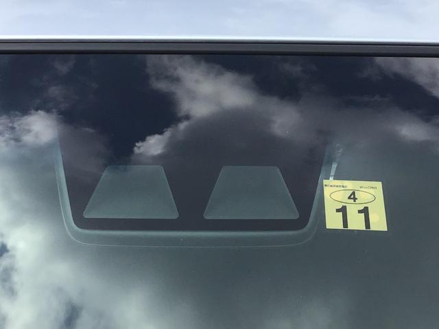 デラックスSAIII キーレスエントリー 後席スモークガラス 前席パワーウィンドウ オーバーヘッドシェルフ エアコン パワステ ABS エアバッグ LEDヘッドランプ 後部コーナーセンサー オートライト付き(4枚目)
