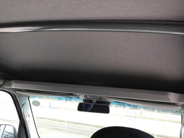 デラックスSAIII キーレスエントリー 後席スモークガラス 前席パワーウィンドウ オーバーヘッドシェルフ エアコン パワステ ABS エアバッグ LEDヘッドランプ 後部コーナーセンサー オートライト付き(8枚目)