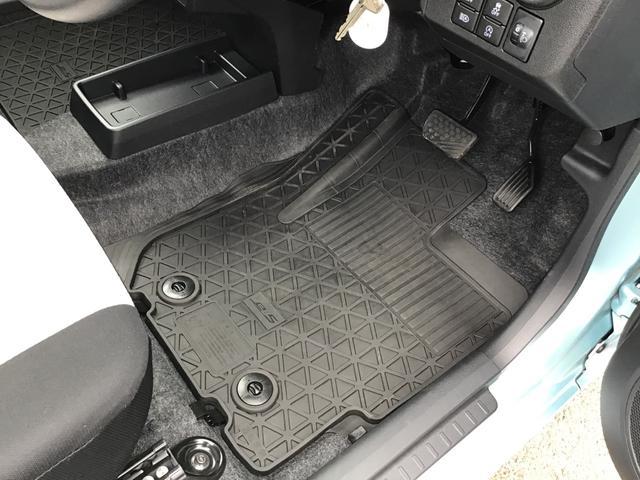 L SAIII キーレスエントリー オートハイビーム 前後コーナーセンサー アイドリングストップ機能 エアコン 運転席助手席エアバッグ ABS パンク修理キット フロアマット付き(5枚目)