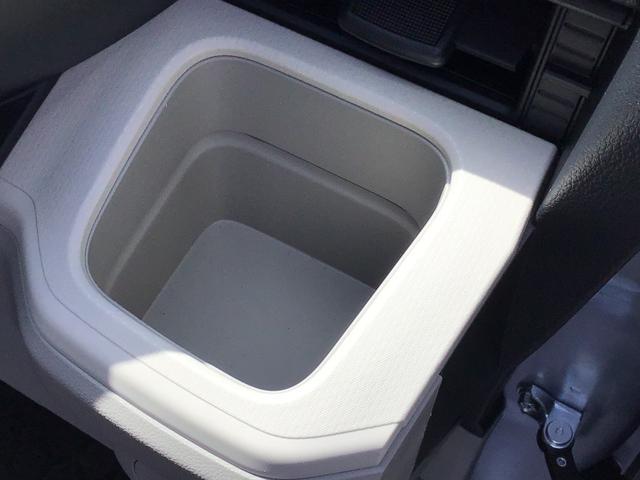 L SAIII キーレスエントリー エアコン パワステ ABS UVカットガラス 後席スモークガラス タコメーター ミラー付きサンバイザー ラゲージアンダーボックス セキュリティアラーム 付き(9枚目)