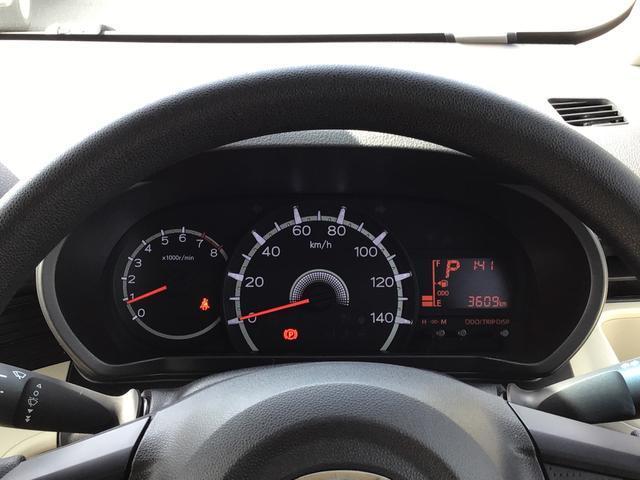 L SAIII キーレスエントリー エアコン パワステ ABS UVカットガラス 後席スモークガラス タコメーター ミラー付きサンバイザー ラゲージアンダーボックス セキュリティアラーム 付き(13枚目)