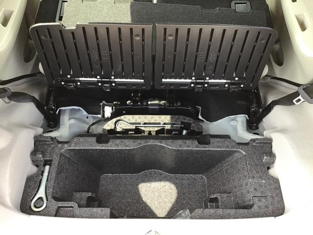 L SAIII キーレスエントリー エアコン パワステ ABS UVカットガラス 後席スモークガラス タコメーター ミラー付きサンバイザー ラゲージアンダーボックス セキュリティアラーム 付き(27枚目)