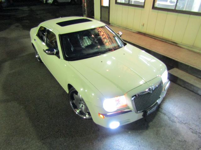 5.7HEMI LEXANI22in ローダウン LEDテール 新車並行車(45枚目)