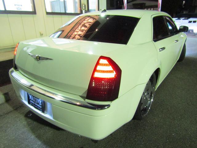 5.7HEMI LEXANI22in ローダウン LEDテール 新車並行車(63枚目)