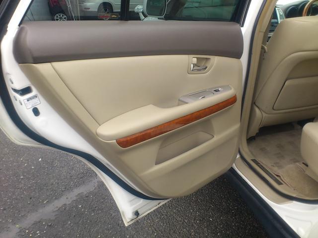 トヨタ ハリアー 240G Lパッケージ パノラマルーフ HDDナビ1オーナー