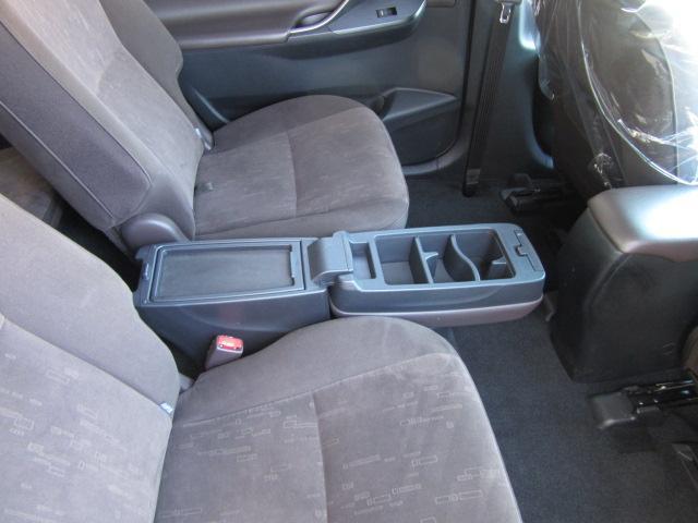 車内を清潔に保つプラズマクラスター発生装置付左右独立デュアルフルオートエアコン