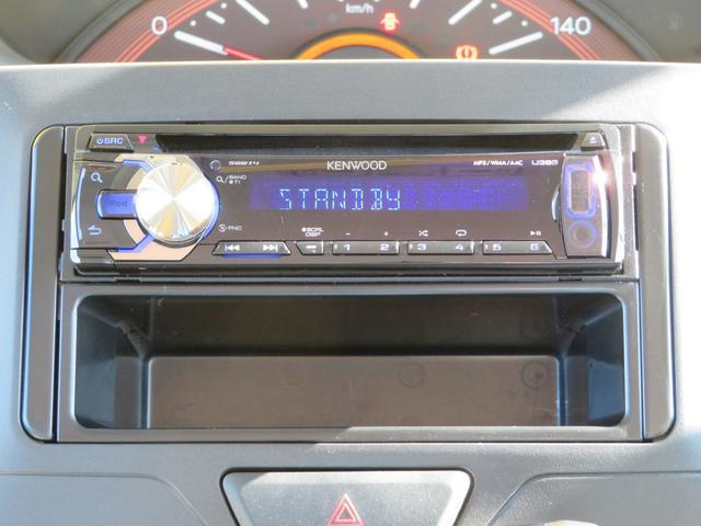 CD、USB・AUX接続付きです。音楽を楽しみながらのドライブ、いいですね♪ナビの取り付けもお気軽にご相談ください。