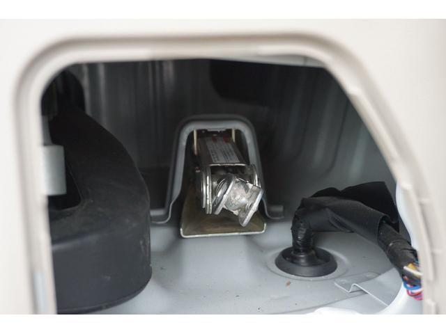 G 純正SDナビ フルセグTV CD DVD USB接続 Bモニター キーレス ETC 両側パワスラ 電動格納ミラー オートステップ HIDヘッドライト フォグライト ターボ 社外15インチアルミホイール(64枚目)