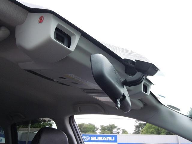 ステレオカメラで前車・歩行者・障害物・白線を認識するアイサイトver3搭載☆