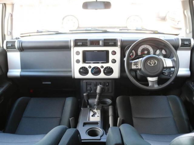 4.0 4WD 4インチUP SDナビ 社外フロントバンパー(2枚目)