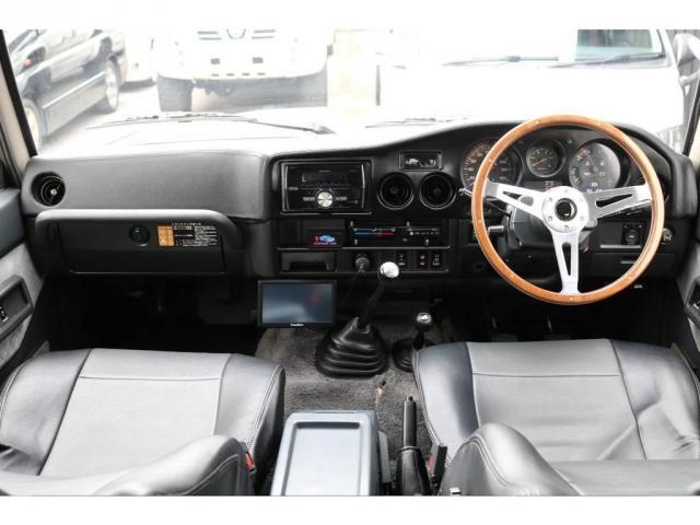 4.0 GX 4WD 4インチUP 5速MT(2枚目)
