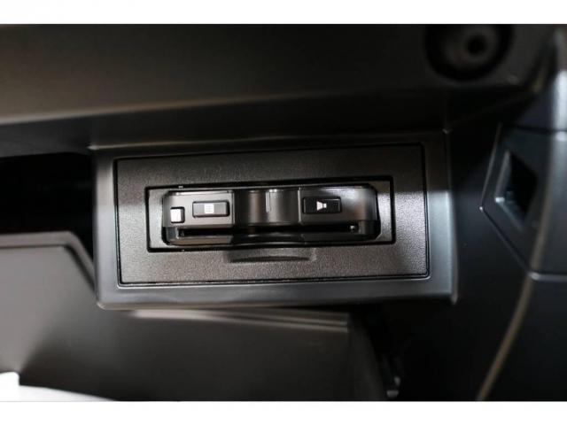 2.8 TX ディーゼルターボ 4WD 新車未登録(12枚目)
